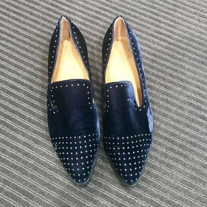 Blue velvet shoes with studs